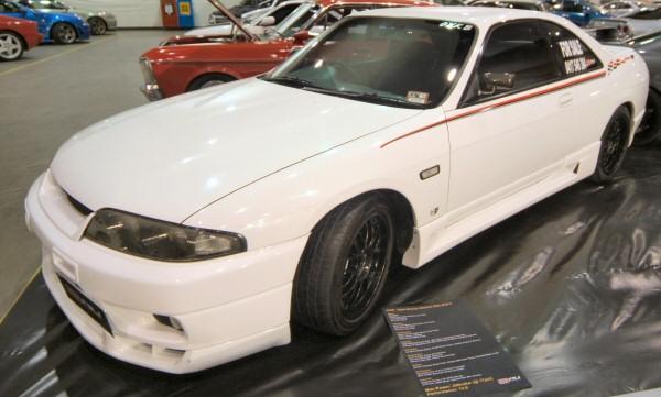 Nissan_R33_Skyline_97