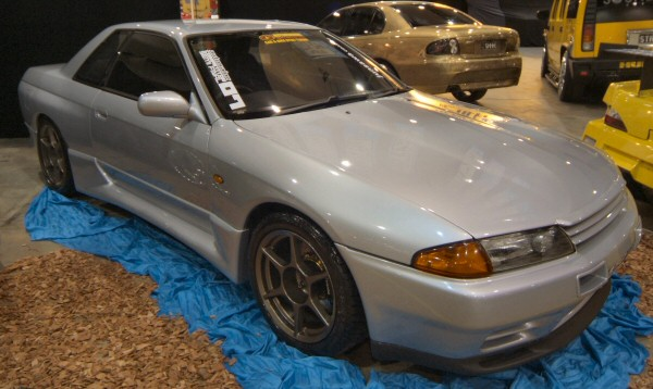 Nissan_Skyline_R32_226