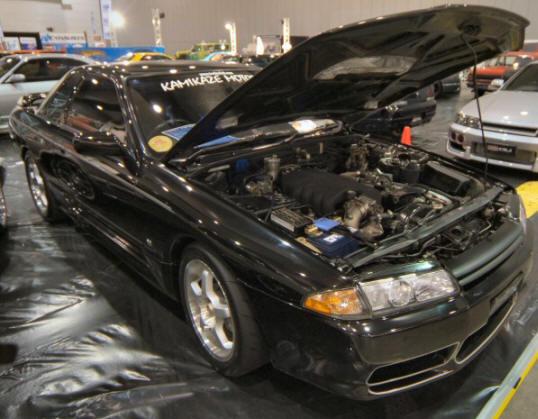 Nissan_Skyline_R32_89